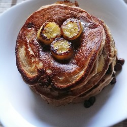 Breakfast In 10 – Chocolate Protein Banana Pancakes