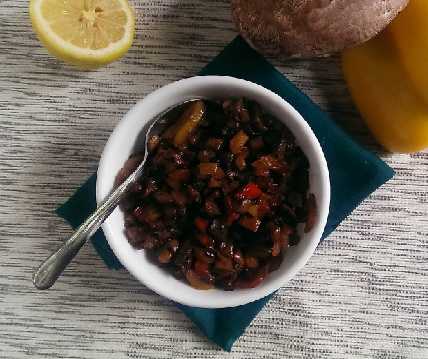 Roasted pepper and portobello mushroom relish