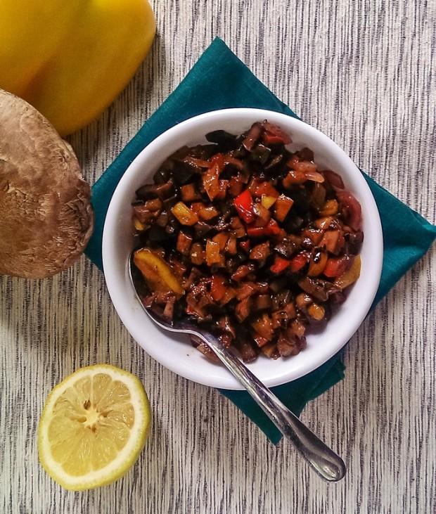 roasted-pepper-and-portobello-relish